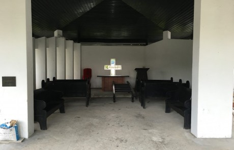 There's a small chapel at the end of the cemetery.
