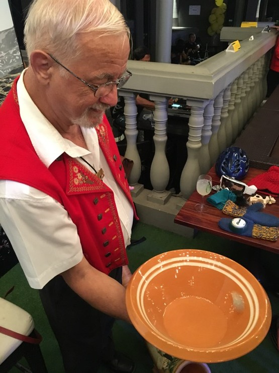Apparently spinning coins in a bowl is a thing in Switzerland, and sounds like a cowbell. Mr Red Vest tried to teach me, but I failed to get the coin rolling. Another dream dashed.